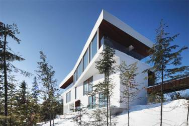 Quebec's Finest Ski Chalet On The Market 6