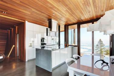 Quebec's Finest Ski Chalet On The Market 9