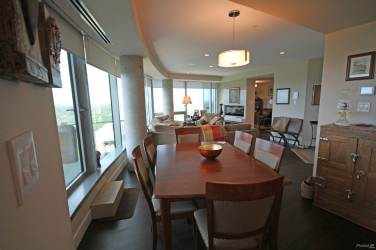 the pearl tower edmonton luxury 2 bedroom condo 5
