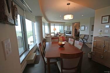 the pearl tower edmonton luxury 2 bedroom condo 5