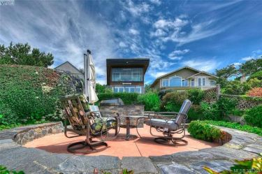 1611 HOLLYWOOD CRES VICTORIA 5