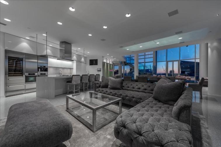 fairmont pacific rim penthouse 02 for sale 5