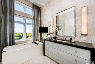 Saskatoon Penthouse In LUXE Broadway 9