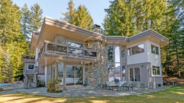 8997 trudy's landing whistler green lake 4