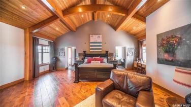 timber frame luxury home saskatchewan 11