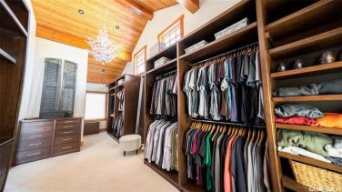 timber frame luxury home saskatchewan 12