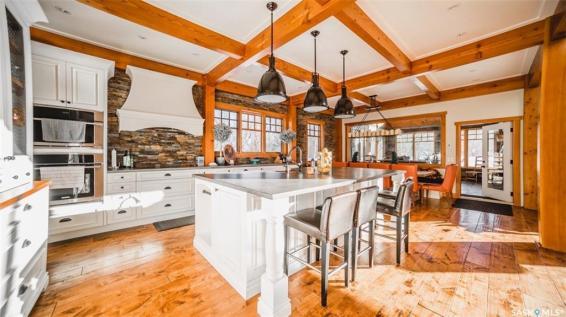 timber frame luxury home saskatchewan 6