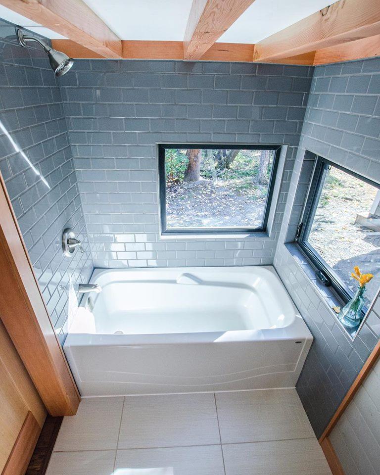 rewild homes luxury nanaimo 9