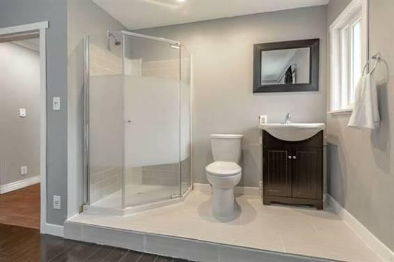 luxury bathroom 2