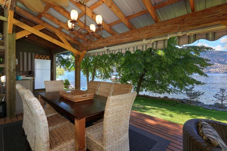 okanagan lakefront luxury home 10