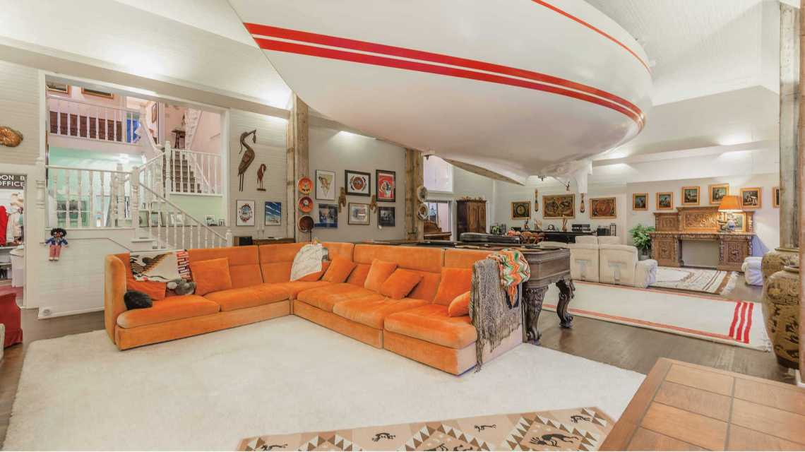 home boat in ceiling 1