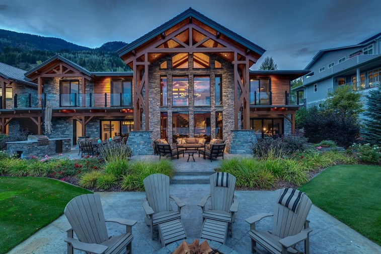 shuswap lakefront luxury home for sale 2