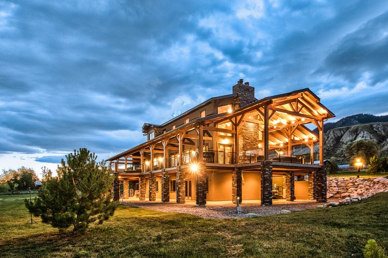 shuswap riverfront luxury home for sale 1