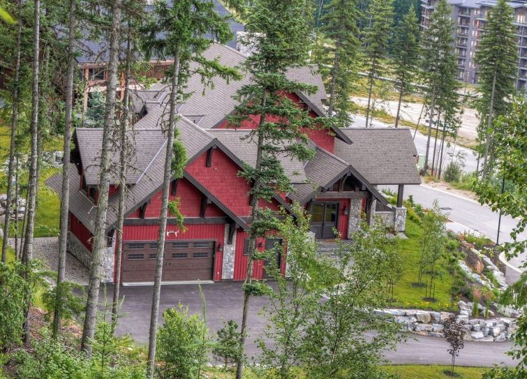 luxury revelstoke home for sale ski in out 1