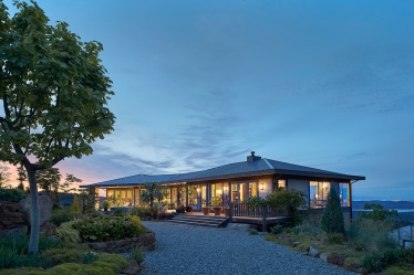 modern mountain home salt spring island 1