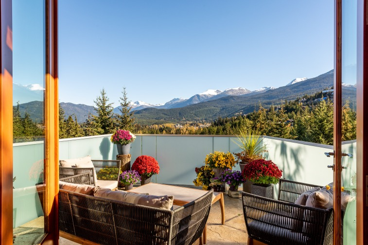 stonecliff falls whistler chalet for sale 8