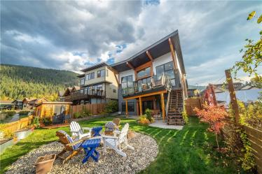waterfront luxury nelson bc home for sale 4