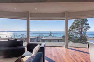 Allure-Elegance Penthouse In Whiterock For Sale 2