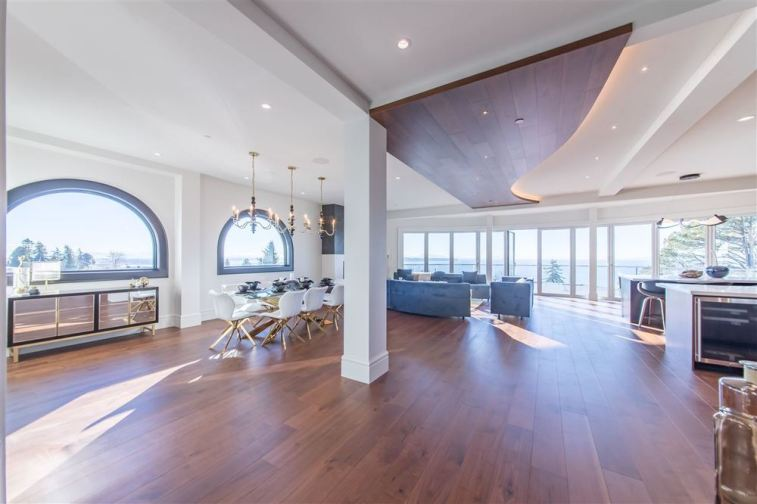 Allure-Elegance Penthouse In Whiterock For Sale 3