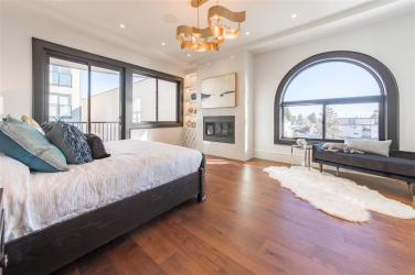 Allure-Elegance Penthouse In Whiterock For Sale 9