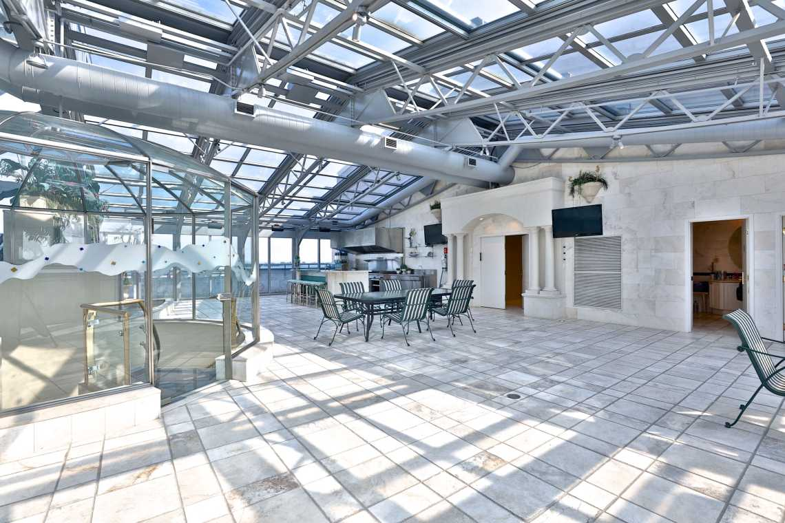 retractable roof condo toronto