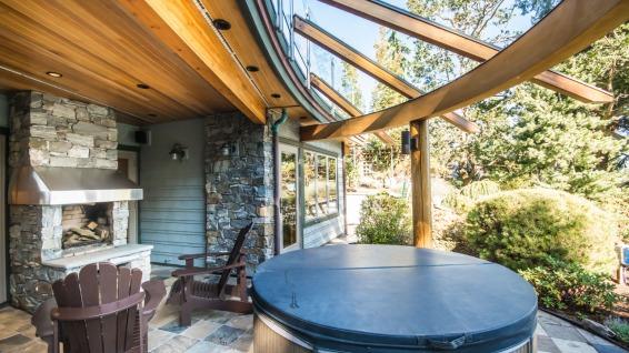 architect michael mcnamara built home in nanoose bay 10