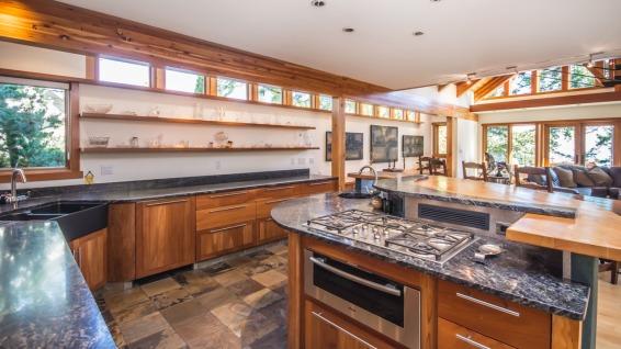 architect michael mcnamara built home in nanoose bay 6