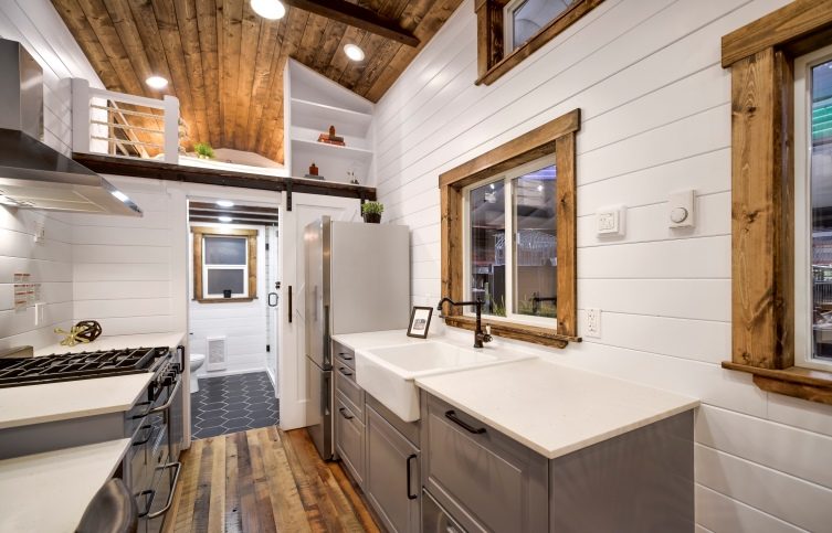 luxury tiny home made in canada mint 2