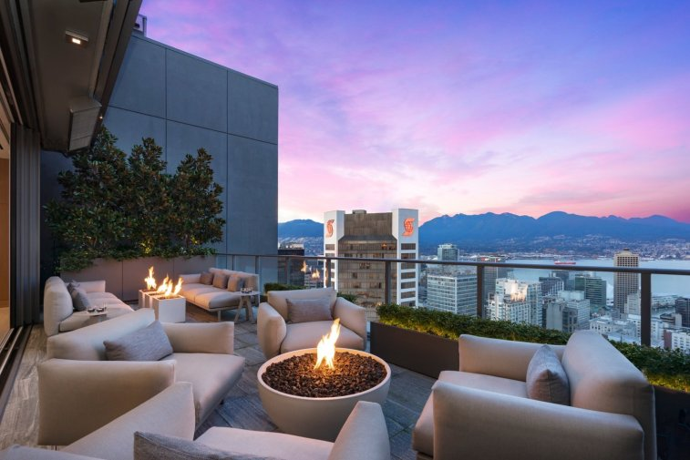telus garden towers penthouse for sale vancouver 8