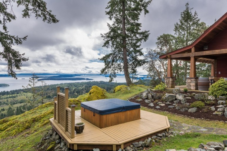 custom home on 34 acres salt spring island 2