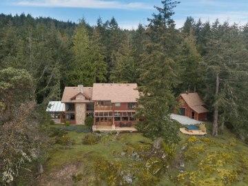custom home on 34 acres salt spring island 3