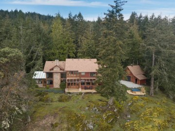 custom home on 34 acres salt spring island 3