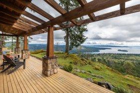 custom home on 34 acres salt spring island 4