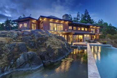 james bond home in canada 4