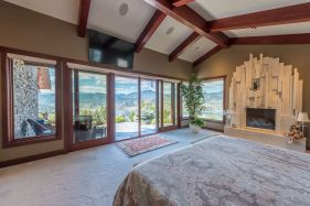 luxury okanagan falls estate 10