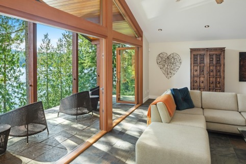 shawnigan lake luxruy home 3