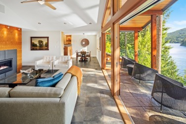 shawnigan lake luxruy home 4