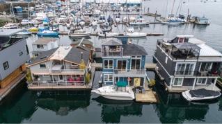 genoa bay luxury float home 11