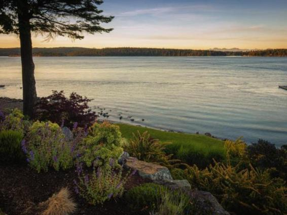 luxury oceanfront campbell river home for sale 2