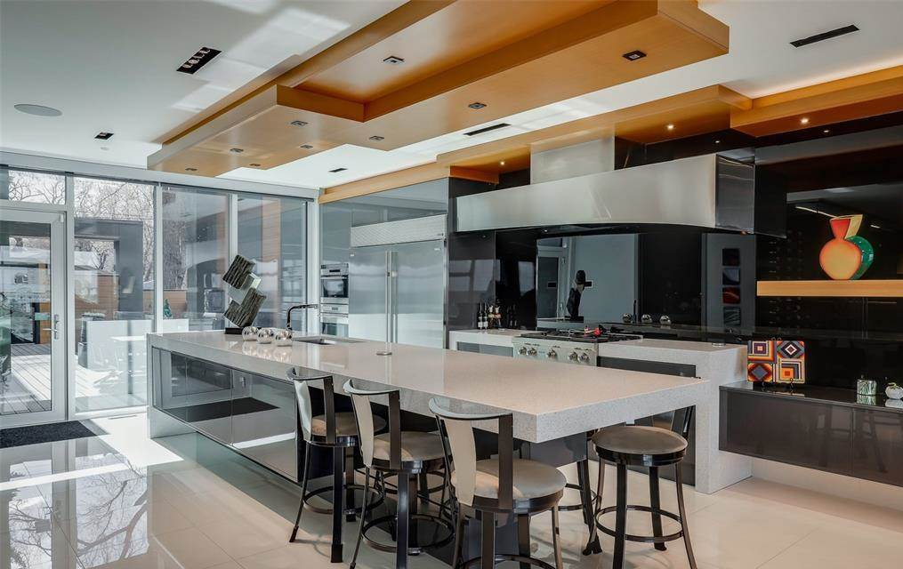 An Modern Luxury Home For Sale In Saskatoon 1