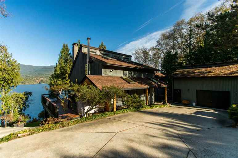 luxury oceanfront sechelt family home for sale 1