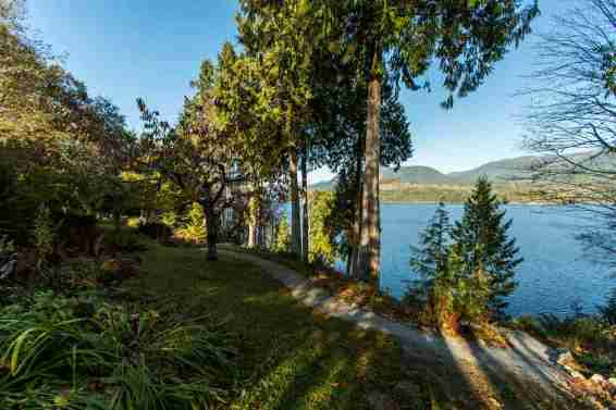 luxury oceanfront sechelt family home for sale 10