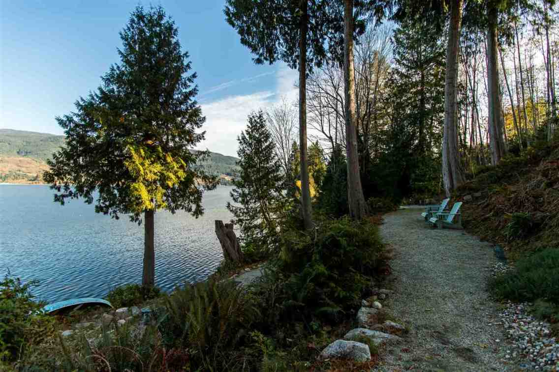 luxury oceanfront sechelt family home for sale 11