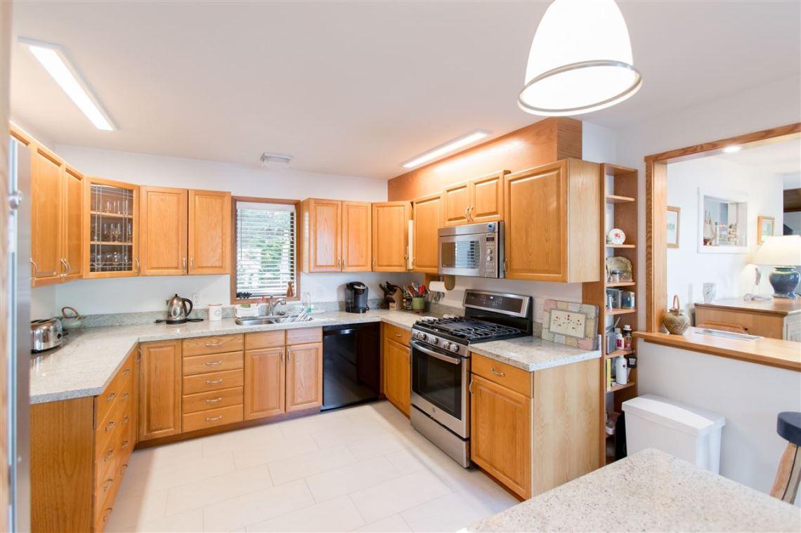 luxury oceanfront sechelt family home for sale 12