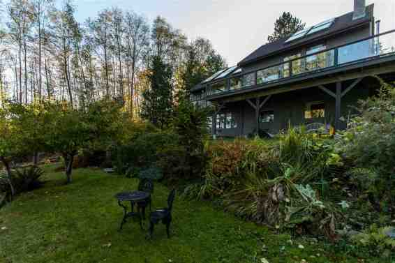 luxury oceanfront sechelt family home for sale 9