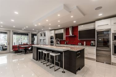 Modern Masterpiece On The Edmonton Petroleum Golf & Country Club 11
