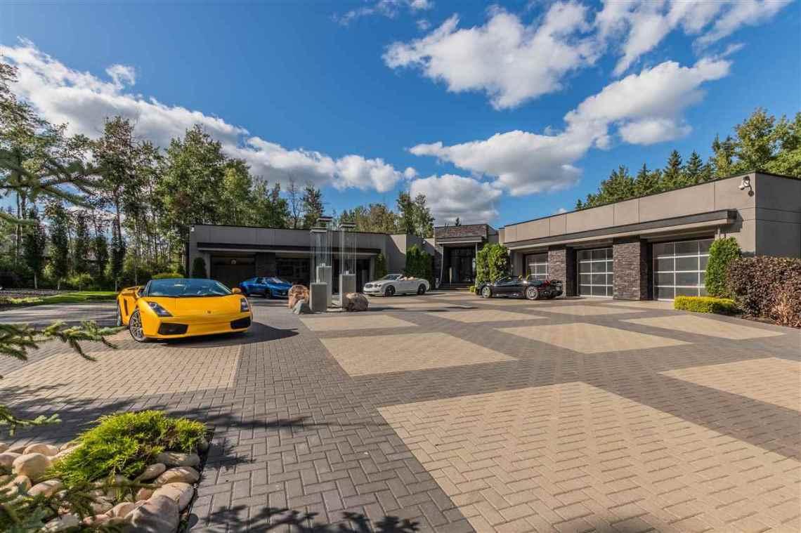Modern Masterpiece On The Edmonton Petroleum Golf & Country Club 14