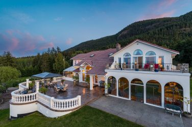 european villa vancouver island